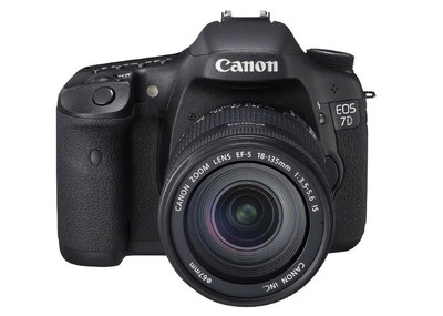 Canon EOS 7D CMOS Sensor SLR Camera In Black Casing