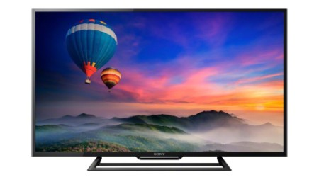 32 Inch Class A+ TV Showing Blue Balloon