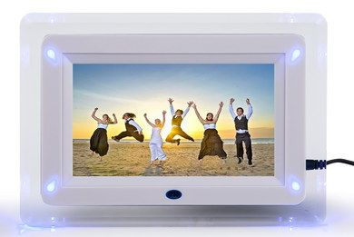 2 GB White Digital Picture Frame With Black Wire