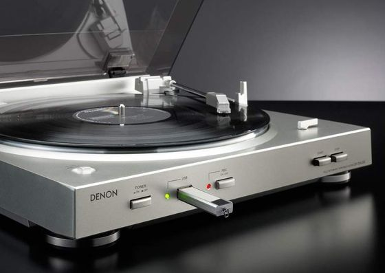 USB Turntable With Chrome Finish