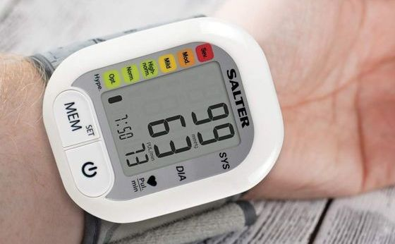 Digital BP Monitor For Wrist In White Finish