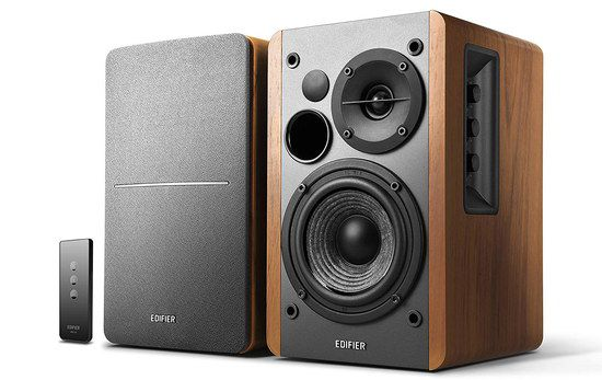 Wooden Bookshelf Speakers In Black And Brown