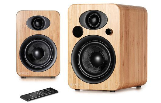 Bookshelf Speaker With Black Hand Remote