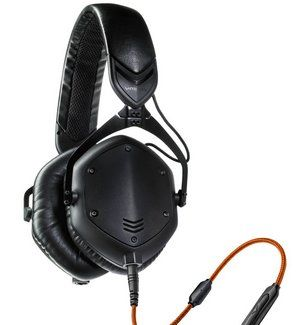 Headphones In Black With In-Line Controls