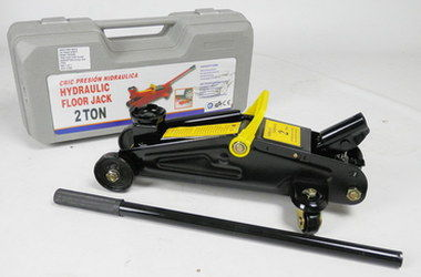 Hydraulic Trolley Jack In Black And Yellow Steel