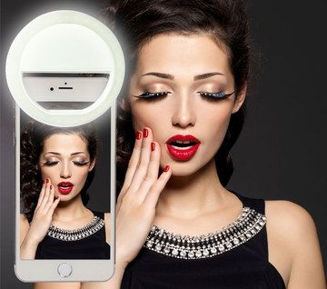 3 Stage Bright LED Selfie Ring Light On Samsung Phone