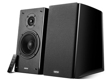 High Powered Bookshelf Speakers With Black Remote