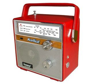 UK Vintage Red Retro Style Radio With Big Handle
